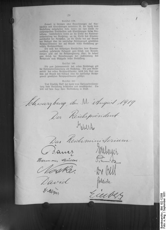 Pagina finale Costituzione Weimar
